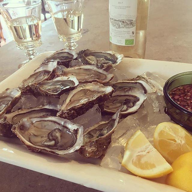 #oysters #vinsdeprovence @maisonlambot