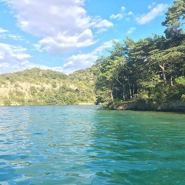 #adayatthelake #parcnational #verdon #esparrondeverdon #lac #lake #provence @maisonlambot